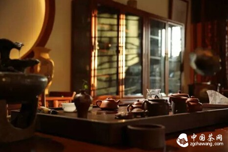 以茶待客谈茶礼丨论茶壶口为什么不能对着客人