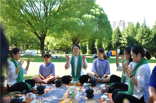 浅谈东方文化的含蓄与现代家庭教育