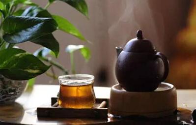一杯浓茶,八味人生