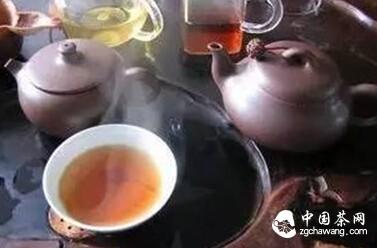 茶礼仪:怎样奉茶与品茶