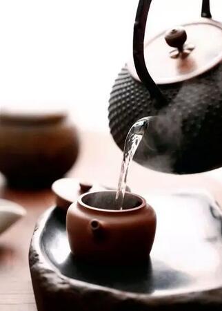 好茶是泡出来的,好人是做出来的