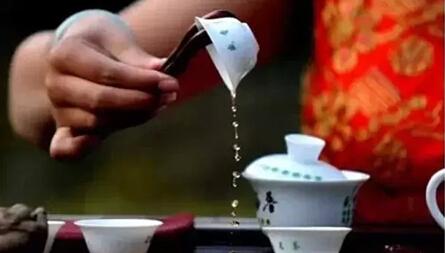 低调的人,一辈子像喝茶!