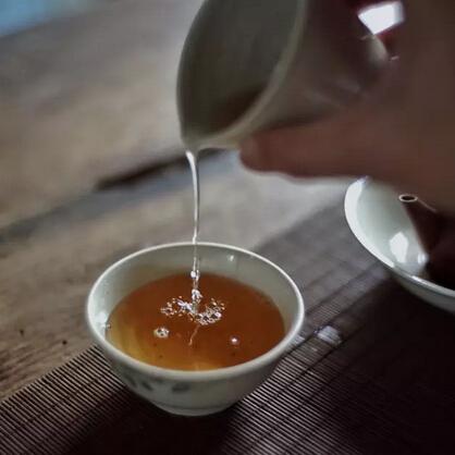 如何正确享受一盏茶?