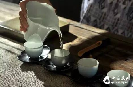 每日煮茶听琴,焚香读经,可好?