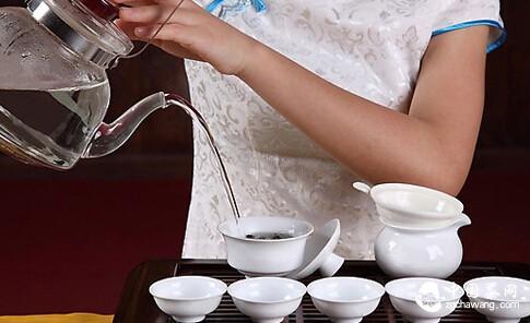 寒夜客来茶当酒。基本待客之道你知道多少?