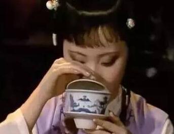 有一种主人的暗示,叫做端茶送客