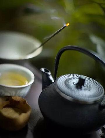 我 害 怕 泡 茶 的 人