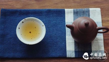 喝茶从布置茶席开始,如何布置一个简单的茶席?