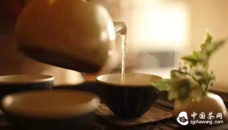 清茶数盏,品茗蕴酿着禅意