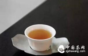 茶在手中是风景