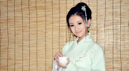 茶人服,她透着的那股东方神韵,犹如天仙