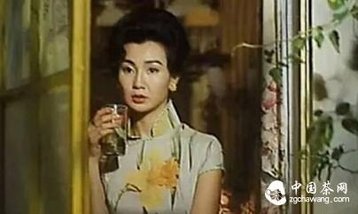 做一个爱茶、爱旗袍的高贵女子