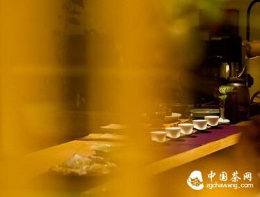 茶席上的茶器,不单是点缀,更是茶人的心性